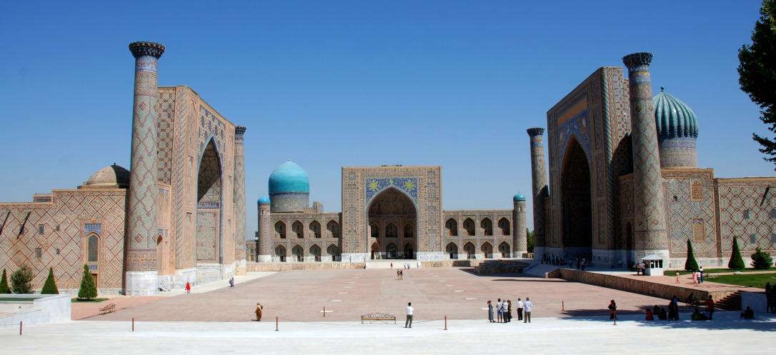 05-Uzb-Samarcanda-Plaza-del-Registan-0011